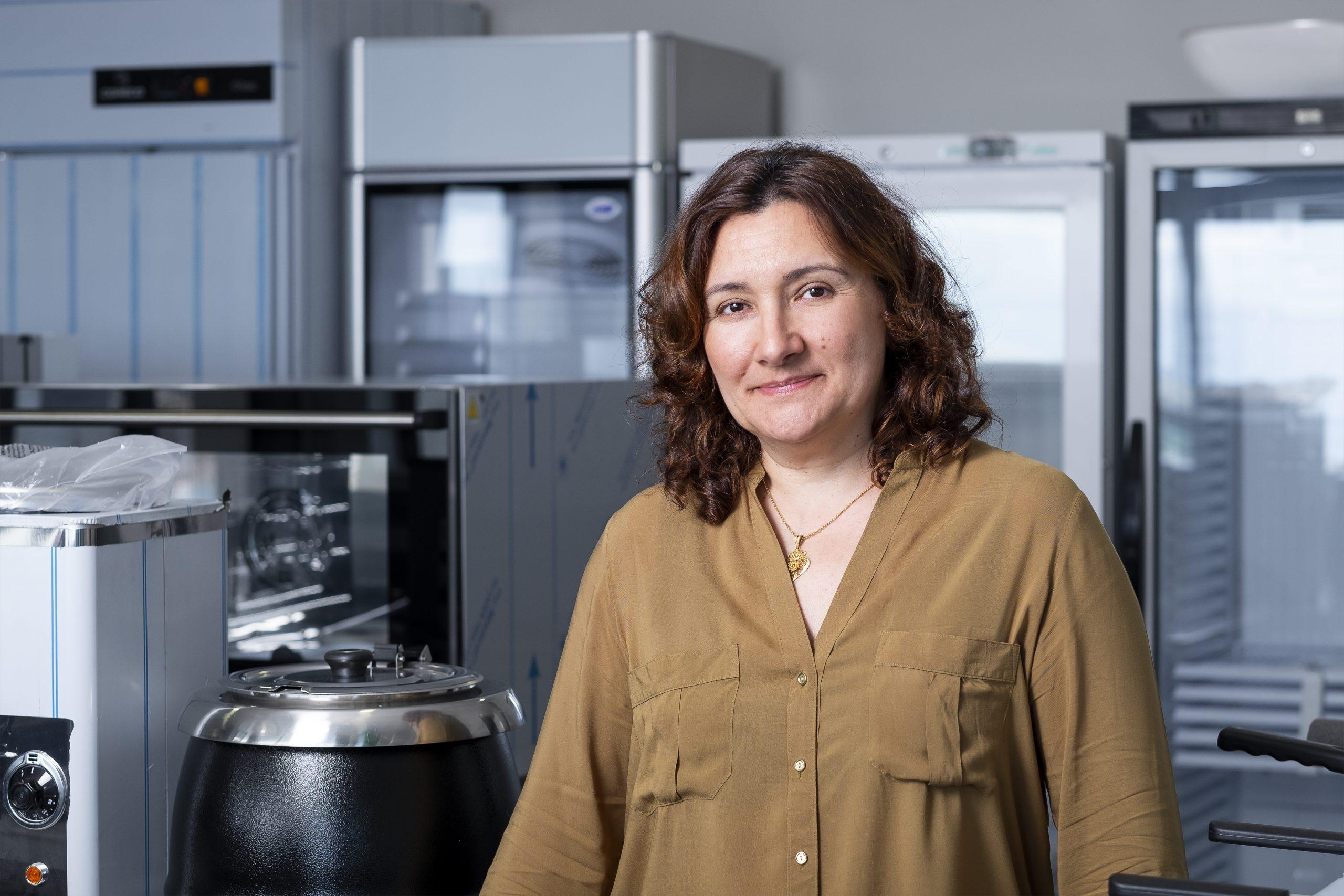 Cristina Melo - Serviços Administrativos